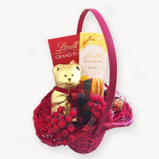 подаръчна кошница с Lindt Macarons лимон