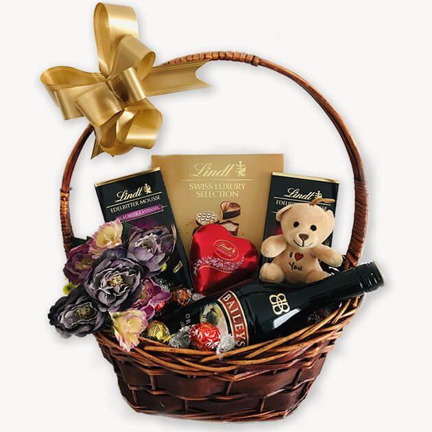Подаръчна Кошница За Свети Валентин – 125