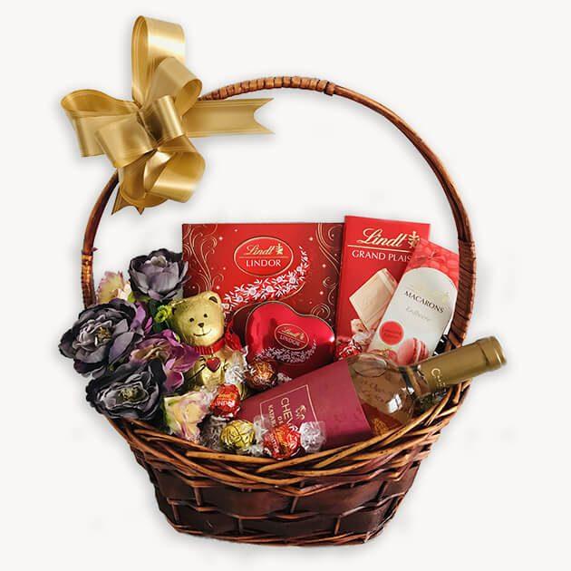 Подаръчна Кошница За Свети Валентин – 126