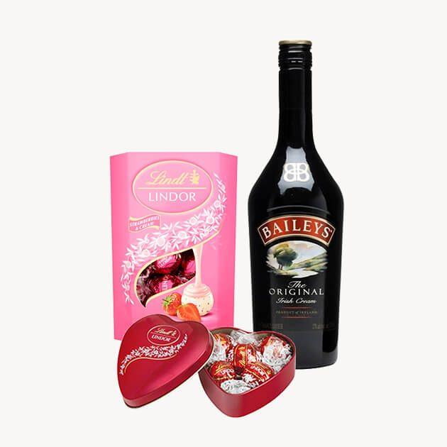 Подаръчен комплект с розе, бонбони и сърце