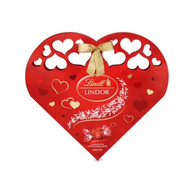 Червено сърце Lindt Lindor бонбони от млечен шоколад 112 g